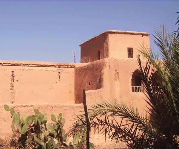 les maisons au maroc achat villa marocain pur marrakech. Black Bedroom Furniture Sets. Home Design Ideas